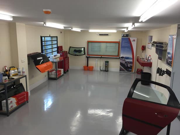 Cursuri | Training | Montaj Folie Auto |